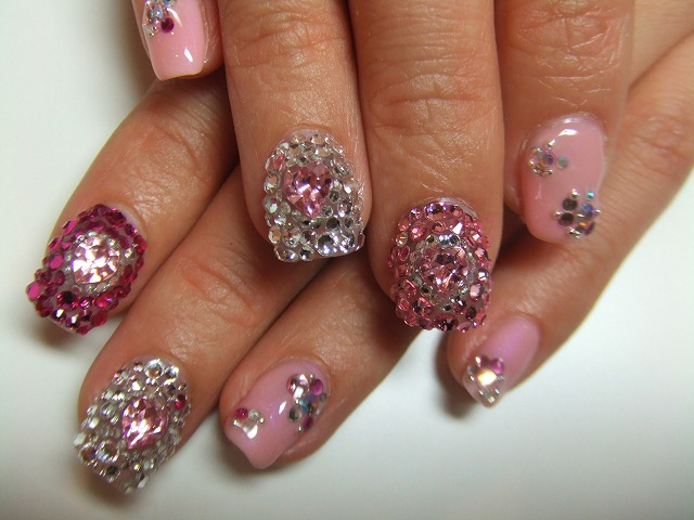 rhinestones on nails. nail in rhinestones.