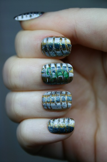 Nails with Snake prints   Snake nails art